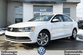 Volkswagen Jetta Trendline+ | TOIT | MAG | CAM 2015