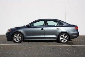 Volkswagen Jetta Comfortline 2.0 5sp 2014