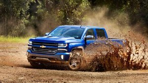 2016 RAM 1500 vs 2016 Silverado in Granby