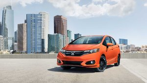 2018 Nissan Versa Note vs. 2018 Honda Fit in Sherbrooke