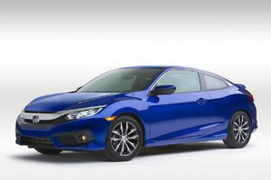 La Honda Civic Coupé fait ses débuts au Salon de Montréal et le Ridgeline 2017 à Détroit