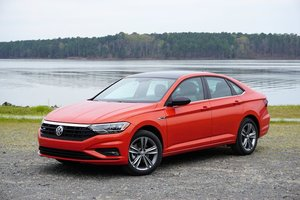 Near-premium VW Jetta ups its game with 2019 redesign