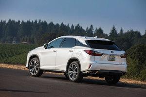 Le nouveau Lexus RX vs Audi Q5 vs Acura MDX: une question de puissance et de raffinement