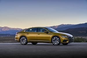 Un coup d'œil sur les récents tests Volkswagen Arteon 2019