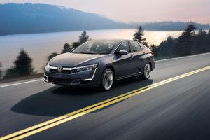 Honda Clarity 2018 Hybride Rechargeable: Performances silencieuses
