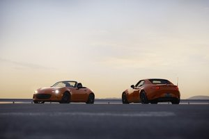 Mazda Unveils MX-5 30th Anniversary Edition in Racing Orange