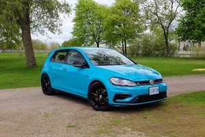 Car Review: 2019 Volkswagen Golf R