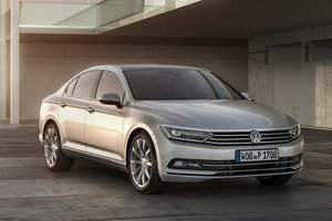 HUMBERVIEW VW INTRODUCES DRIVERS TO THE 2015 VOLKSWAGEN PASSAT