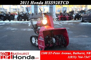 2011 Honda Power Equipment HSS928CTD Snowblower
