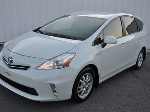 2013 Toyota Prius v Très Rare