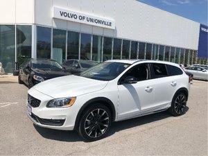 2018 Volvo V60 Cross Country T5 AWD Premier FINANCE 0.9% O.A.C.