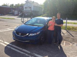 David et Marianne avec la nouvelle Civic! de Avantage Honda à Shawinigan