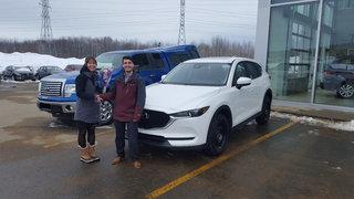 Un magnifique CX-5 pour notre couple de Groupe Vincent à Shawinigan et Trois-Rivières