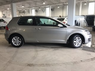Volkswagen Golf Trendline 1.8T Automobile 2015