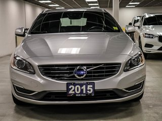 2015 Volvo V60 T6 AWD Premier Plus (2)