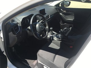 2016  Mazda3 Beaucoup d'ajout