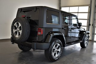 2017 Jeep Wrangler Unlimited ***SAHARA UNLIMITED 2 TOIT PNEUS HIVER ***