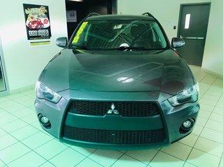 Mitsubishi Outlander SE / V-6 3.0 LITRES / 4X4 / AUT / AC / MAGS / 2011