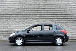 Nissan Versa *HATCHBACK*NOIR*MAN*A/C*75200KM* 2012