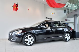 Volvo S60 T5 * CUIR* AUT * TOIT * BLUETOOTH * MAGS * 2013