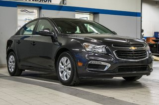 2015 Chevrolet Cruze LT  **GROUPE ELECTRIQUE ** CAMERA ** in Dollard-des-Ormeaux, Quebec - 2 - w320h240px