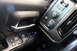 2017 Chevrolet Silverado 1500 Crew 4x4 LT / Short Box in Regina, Saskatchewan - 3 - w320h240px