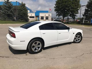 2012 Dodge Charger SXT Sedan in Mississauga, Ontario - 6 - w320h240px