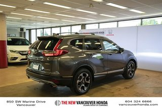 2017 Honda CR-V Touring AWD in Vancouver, British Columbia - 5 - w320h240px