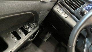 2019 Hyundai Elantra Sedan Preferred at Sun and Safety in Regina, Saskatchewan - 3 - w320h240px