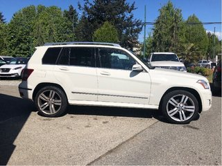 2011 Mercedes-Benz GLK350 4MATIC in Vancouver, British Columbia - 4 - w320h240px