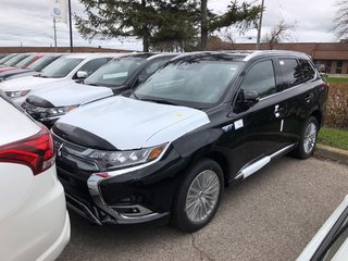 2019 Mitsubishi OUTLANDER PHEV GT S-AWC in Mississauga, Ontario - 6 - w320h240px