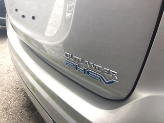 2019 Mitsubishi OUTLANDER PHEV GT S-AWC in Mississauga, Ontario - 4 - w320h240px
