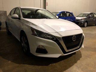2019 Nissan Altima Sedan 2.5 S CVT in Mississauga, Ontario - 2 - w320h240px