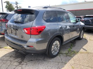 2019 Nissan Pathfinder SV Tech V6 4x4 at in Mississauga, Ontario - 4 - w320h240px