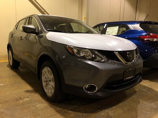 2019 Nissan Qashqai SV FWD CVT in Mississauga, Ontario - 2 - w320h240px