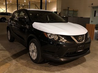 2019 Nissan Qashqai S AWD CVT in Mississauga, Ontario - 3 - w320h240px