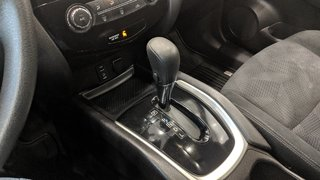 2015 Nissan Rogue SV AWD CVT in Regina, Saskatchewan - 4 - w320h240px