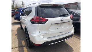 2017 Nissan Rogue SL Platinum AWD in Mississauga, Ontario - 2 - w320h240px