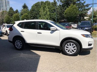 2017 Nissan Rogue S FWD CVT in Vancouver, British Columbia - 4 - w320h240px