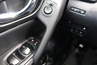 2018 Nissan Rogue SV AWD CVT in Regina, Saskatchewan - 3 - w320h240px