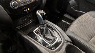 2019 Nissan Rogue SV AWD CVT in Regina, Saskatchewan - 4 - w320h240px