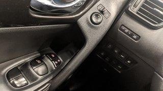 2019 Nissan Rogue SV AWD CVT in Regina, Saskatchewan - 3 - w320h240px