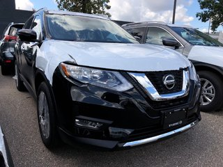 2020 Nissan Rogue SV AWD CVT in Mississauga, Ontario - 2 - w320h240px