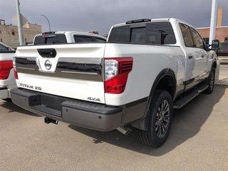 2019 Nissan Titan Crew Cab XD Platinum 4x4 Two-Tone Diesel in Regina, Saskatchewan - 2 - w320h240px