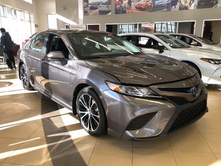2019 Toyota Camry Hybrid SE in Bolton, Ontario - 2 - w320h240px