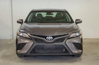 Toyota Camry 4-Door Sedan SE 8A 2018 à Verdun, Québec - 3 - w320h240px