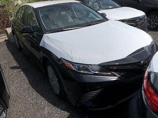 Toyota Camry SE 2019 à Verdun, Québec - 2 - w320h240px