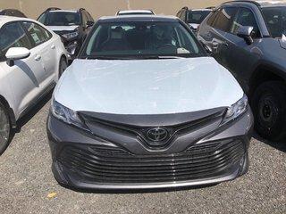 Toyota Camry 4-Door Sedan LE 8A 2019 à Verdun, Québec - 2 - w320h240px