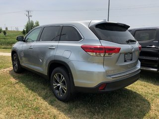 2019 Toyota Highlander LE in Bolton, Ontario - 5 - w320h240px