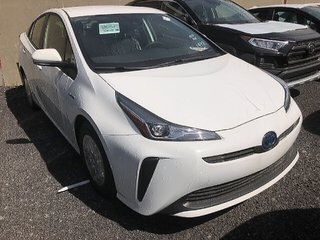 Toyota Prius 5-door Liftback CVT 2019 à Verdun, Québec - 2 - w320h240px